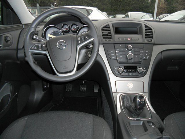 Opel Insignia car hire (indoor) from  Val & Kar Rent a car
