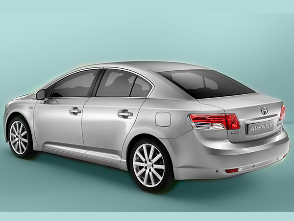 Toyota Avensis car hire (back lights) from  Val & Kar Rent a car
