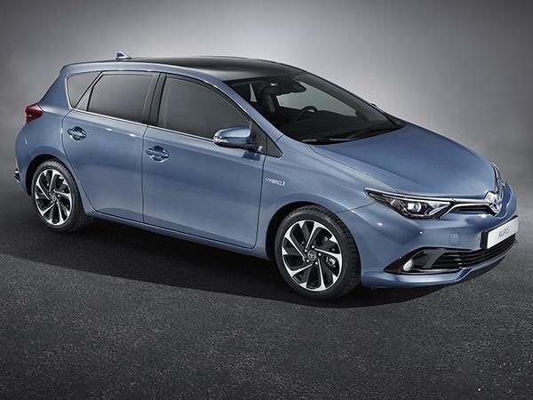 Toyota Auris from valand kar