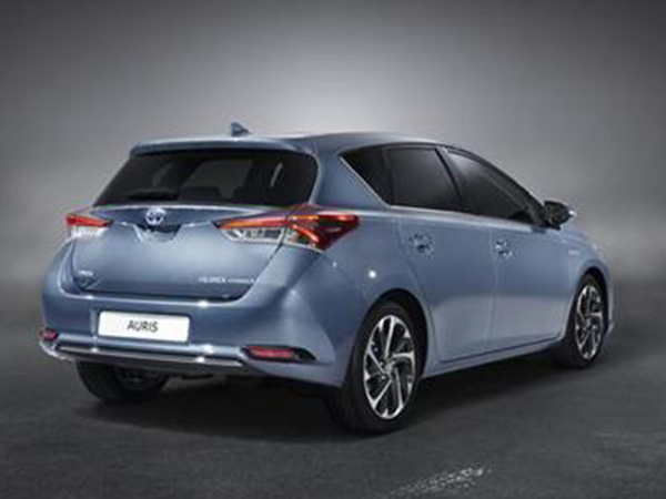 Toyota Auris car hire
