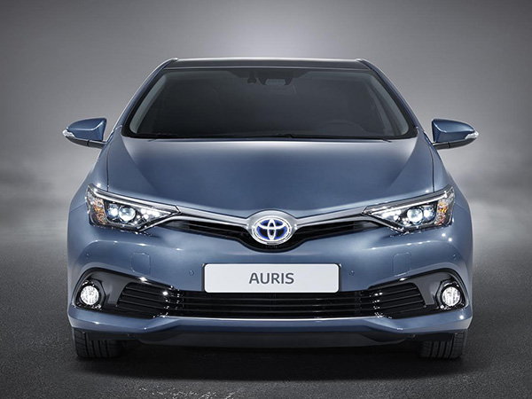 Car hire Toyota Auris