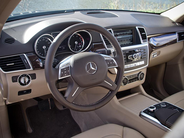 Mercedes ML320 car hire (control pult) from  Val & Kar Rent a car