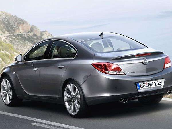 Opel Insignia car hire (back) from  Val & Kar Rent a car