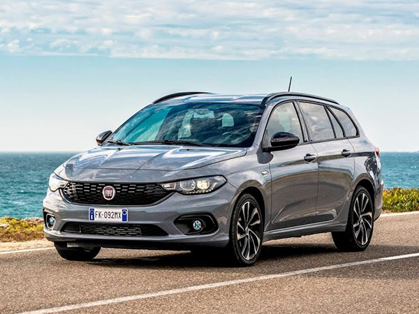 Fiat Tipo SW car hire (back-right) from  Val & Kar Rent a car
