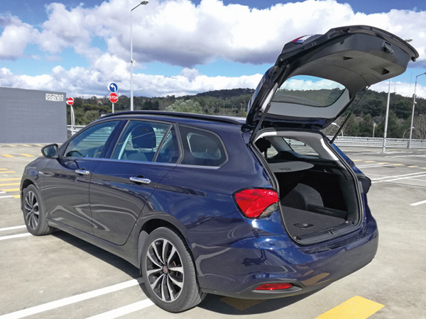 Fiat Tipo SW car hire (back doors) from  Val & Kar Rent a car